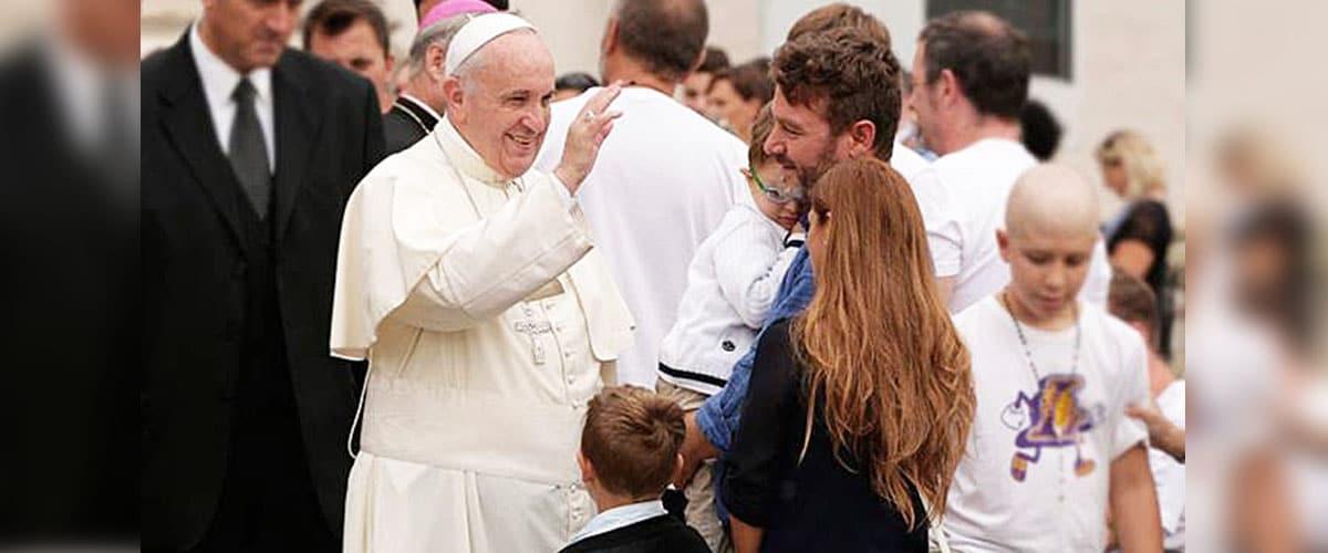 """Encontro Mundial das Famílias: """"O Evangelho da Família: alegria para o mundo""""."""