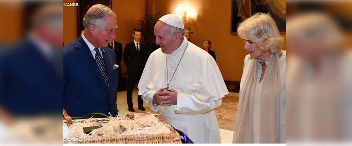 Papa recebe príncipe Charles e duquesa Camilla no Vaticano