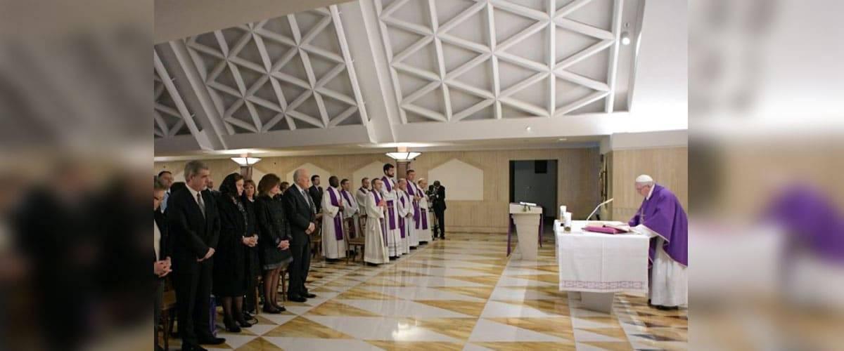 """Papa Francisco: """"Olhar para Jesus e se encher de alegria"""""""