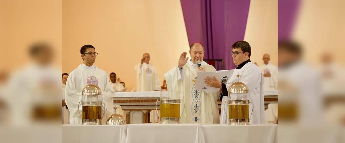 Diocese de Colatina: Padres renovam suas promessas sacerdotais