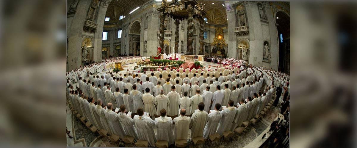 """Missa do Crisma: """"Evangelização seja respeitosa e humilde"""", afirma Francisco"""