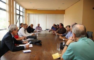 """""""A CNBB vem insistindo há muito tempo em uma reforma política verdadeira"""", afirma dom Leonardo"""