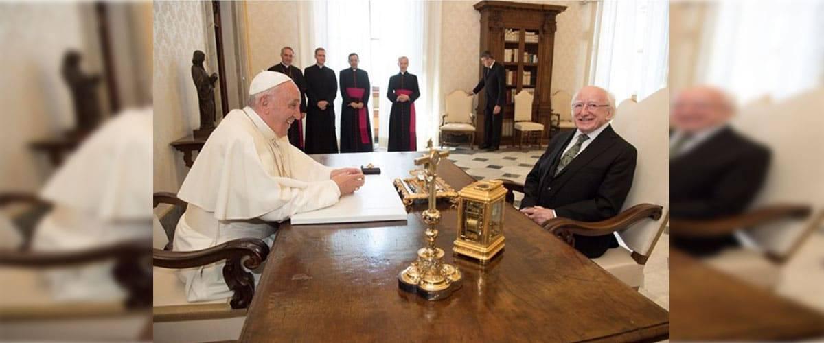 Papa recebe presidente irlandês: atenção especial aos jovens e famílias