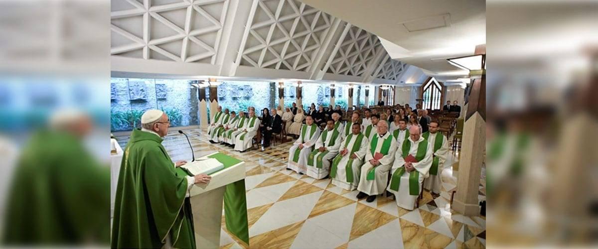 """Papa Francisco: """"O poder de Deus nos salva das fraquezas e dos pecados"""""""