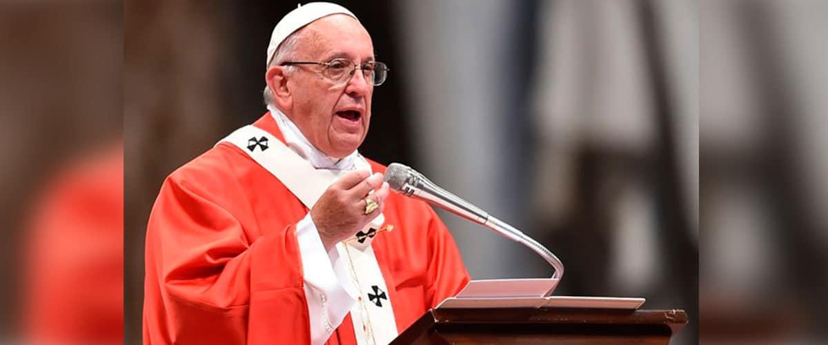 """""""Pedro e Paulo sigilaram com o próprio sangue o testemunho de Cristo"""", afirma Francisco"""